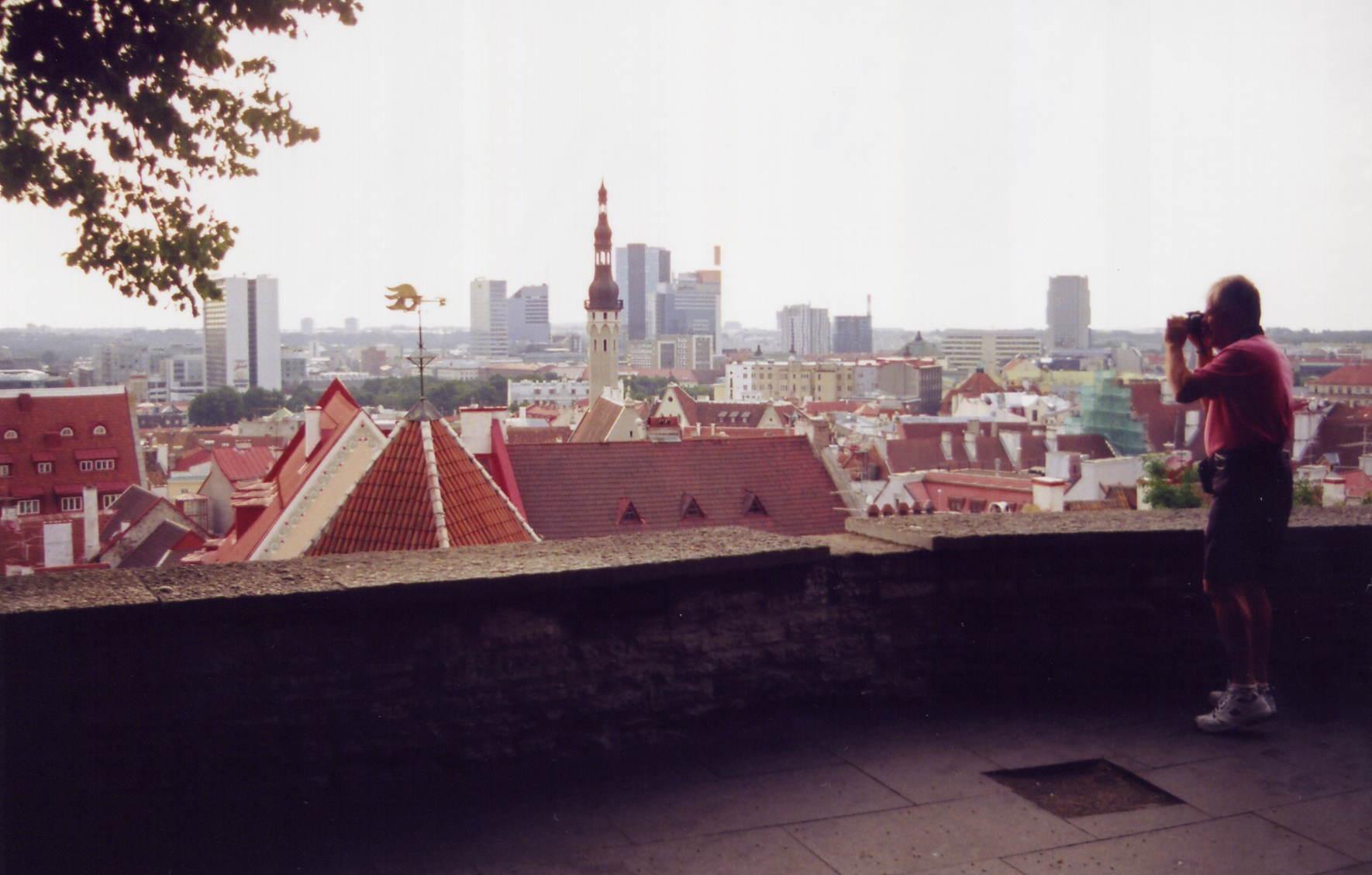 Tallinna väkiluku panoseuraa helsinki